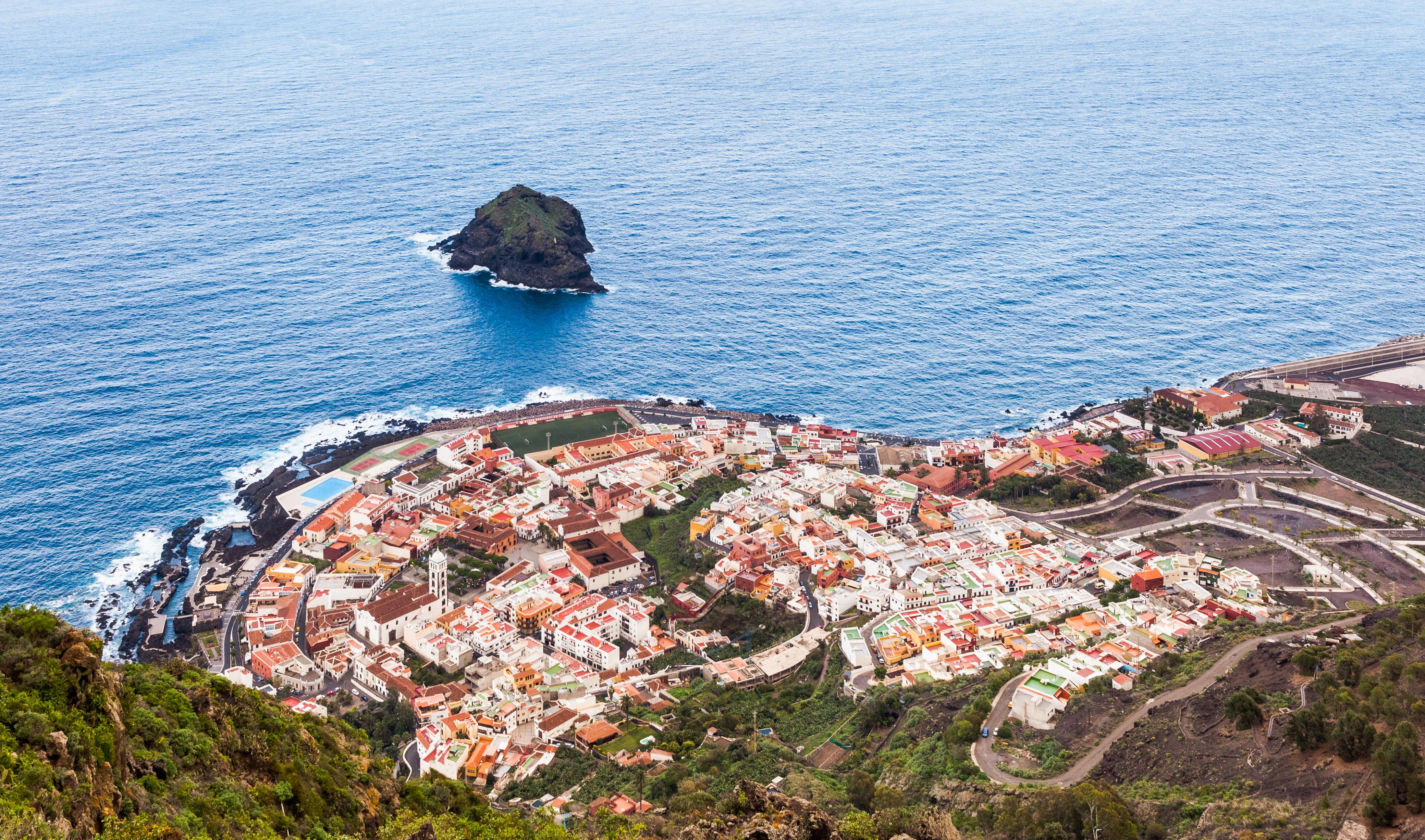 Vista_de_Garachico,_Tenerife2012-12-13